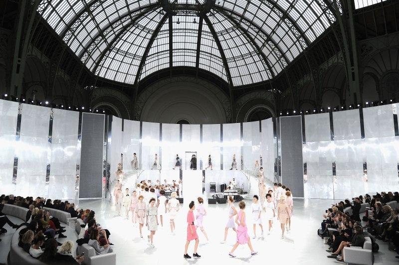 Chanel : Runway - Paris Fashion Week - Haute Couture S/S 2014